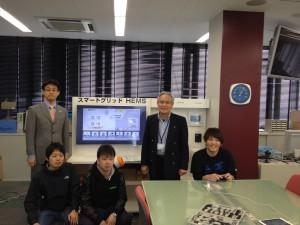 宮本先生と協力してくれた学生さん 左端は、パナソニック萩原さんです